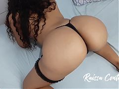 Hot wife shaking her ass until she gets hard, come and enjoy